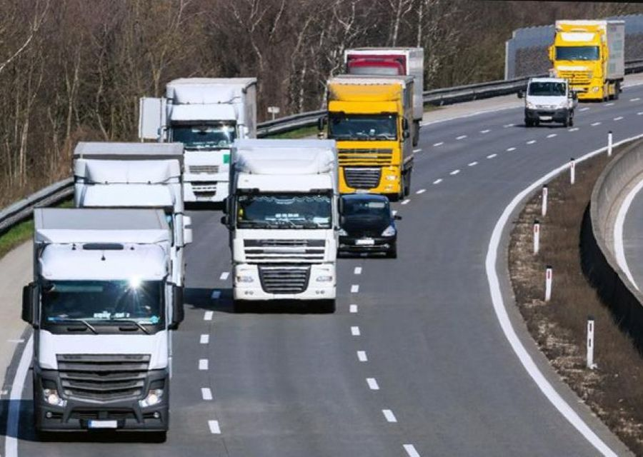 Sospensione  dei   divieti di circolazione   per i   camion